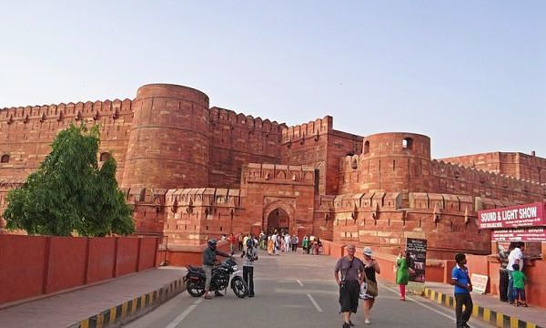 agra sightseeing places fort