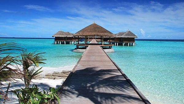 find secret hotel deals on the Maldives