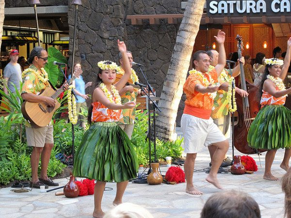 Hawaii getaways Hula dancers