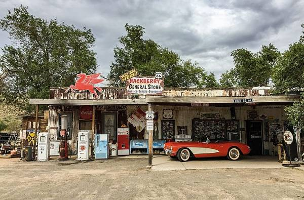 route 66 road trip stop: the old gas station