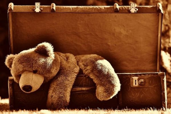 suitcase when travel with kids